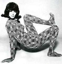 steroge:  Simone d'Aillencourt, Hamburg 1967 by F.C. Gundlach