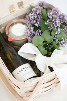 Easy easter hostess gift ideas wine wraps and gift 50 diy gift baskets to inspire all kinds of gifts negle