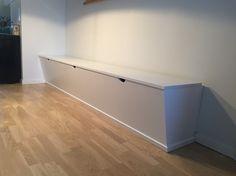 Slagbænk i moderne lejlighed/ Lunderskov Specialmøbler I/S