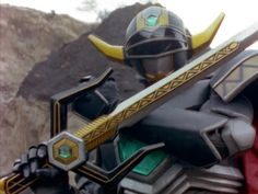Magna Defender in Power Rangers Lost Galaxy. The fierce warrior Magna Defender searches for the Lights of Orion to avenge his son (Zika). Power Rangers Lost Galaxy, Go Go Power Rangers, Power Ranger Black, Cool Tech, Arsenal, Pop Culture, Battle, Kamen Rider, Gundam