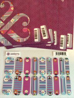 Frozen inspired nail wraps.  Talk to me about special ordering.  Around $25 including shipping.  #Frozen #Jamberry  jessie.neireiter@gmail.com http://jneireiter.jamberrynails.net/