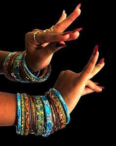Classical Indian Dance's Mudras (& #Bangles)