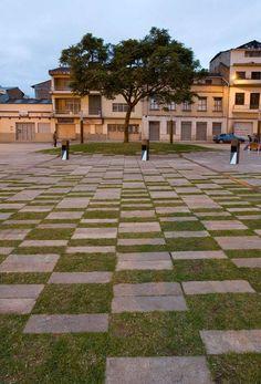 Plaza Victor J. Cuesta by DURAN&HERMIDA arquitectos asociados, in Vargas Machuca, Cuenca, Ecuador.