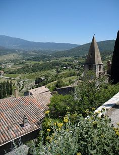how to travel in france - renting houses