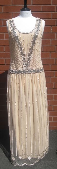 @jennyo1126   (This color looks more the blush color I think it actually is in the second pic where you can see it up close) UK20 US16 Nude Blush Vintage inspired 20s Flapper Great Gatsby Beaded Charleston Sequin Art Deco Downton Abbey Prom Maxi Dress New Hand Made...