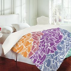 Just bought a comforter for my dorm bed!!(: Designer Karen Harris, only da best.