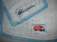 conjunto de fraldas bordadas de ponto cruz