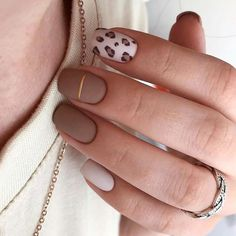 A small request, if you saved the design, put the emoticon in . Chic Nails, Classy Nails, Stylish Nails, Simple Nails, Trendy Nails, Swag Nails, Nagellack Design, Nagellack Trends, Manicure Nail Designs