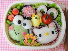 Hello Kitty and Keroppi Bento Kawaii Bento, Cute Bento, Cute Food, Yummy Food, Japanese Lunch Box, Japanese Food, Food Art For Kids, Bento Recipes, Dessert Recipes