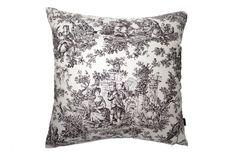 エレガントでクラシカルなトワルドジュイ柄ヴィンテージクッション #cushion #cushioncover #クッション #クッションカバー #ヴィンテージ #アンティーク #vintage