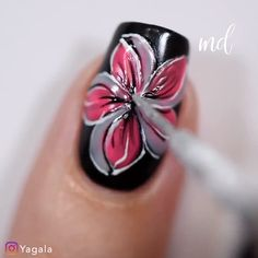 Color changing flowers with Kiara Sky thermo gels . Nail Art Designs Videos, Nail Art Videos, Pretty Nail Designs, Simple Nail Art Designs, Pretty Nail Art, New Nail Art, Nail Art Diy, Diy Nails, Cute Acrylic Nails