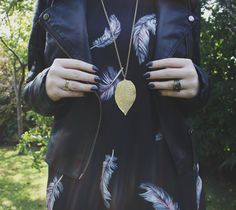 Leather jacket, dark nails and gold jewels - perfect for fall!