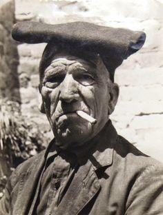 El tío Francesc, 1945 #Fotografía Agustí Centelles Ossó Vía centellesosso.blogspot.com
