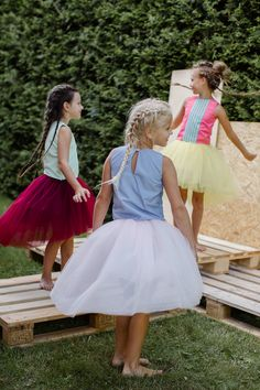 Like shining little stars spread around the Universe, our kids come from all the different countries, cultures and backgrounds to join together in celebrating Life, Beauty and Uniqueness of every single one of them ✨✨✨ Trendy Tutu skirts and tops in various colours are available at www.lazyfrancis.com in sizes from 3 till 16 years. Shop now!