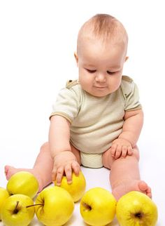 Baby Led Weaning First Foods This list of baby led weaning first foods includes a variety of naturally nutritious treats that will be easy for your baby to handle. If you're just getting star…