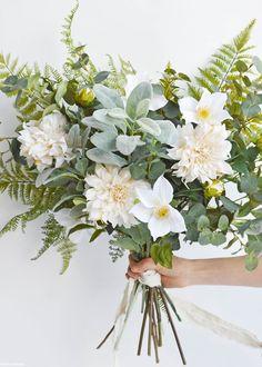 Cafe au Lait Dahlia Flower in Ivory - diy bouquet Dahlia Wedding Bouquets, Simple Wedding Bouquets, Spring Wedding Flowers, Bridal Flowers, Dahlia Bouquet, Dahlia Wedding Centerpieces, Summer Flower Centerpieces, Fall Flowers, Silk Flower Bouquets