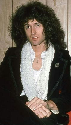 It's Gonna Be May, Queen Brian May, Los Rolling Stones, Queen Ii, Queen Photos, Cyndi Lauper, Queen Freddie Mercury, Stars Then And Now, John Deacon