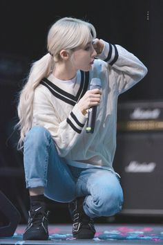 Moonbyul | Mamamoo | White Wind Fansign Kpop Girl Groups, Korean Girl Groups, Kpop Girls, Kpop Outfits, Fashion Outfits, Cool Girl, My Girl, Wheein Mamamoo, K Idols