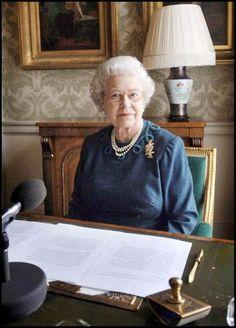 La reine Elizabeth II à Buckingham (février 2006)