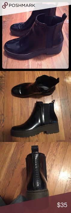 Zara Shiny Leather Black Boots! Selling used Zara boots shiny leather boots. Perfect for everyday. Worn maybe twice. Flat with a thick sole. Comfortable and perfect with skinny jeans! Zara Shoes Ankle Boots & Booties