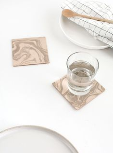 diy-marbled-leather-coasters