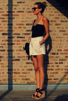tube top + loose shorts + wedge sandals