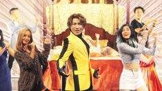 I love Daesung's new hair, but now after watching this video, I'm not sure if I can take him seriously. OMG he's funny. And he's still cute.  D-LITE -' ナルバキスン (Look at me, Gwisun)' JP Full Ver.