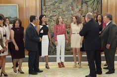 La Reina recibió en audiencia a la Alianza Iberoamericana de Enfermedades Raras o Poco Frecuentes (ALIBER).  09-09-2016  #Letizia #ReinaLetizia #LetiziaDeEspaña #LetiziaReina #QueenLetizia #SpanishRoyalFamily #FamiliaRealEspañola #CasaRealDeEspaña #MonarquiaEspañola #CasaReal #SpanishMonarchy #CasaBorbon #CasaBorbón #CasaDeBorbón #CasaDeBorbon #CoronaDeEspaña #CoronaEspañola #ReinoDeEspaña #Spain #España