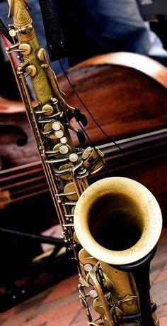 ♫♪SAXOFÓN♪♫♥.....La música es el corazón de la vida. Por ella habla el amor; sin ella no hay bien posible y con ella todo es hermoso. Franz Liszt