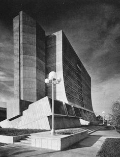 Mailman Center for Child Development, University of Miami, Florida, 1972     (Ferendino Grafton Spillis Candela) Miami Architecture, University Architecture, Concrete Architecture, Architecture Design, University Of Miami Florida, Brutalist Buildings, Modernisme, Concrete Structure, Constructivism
