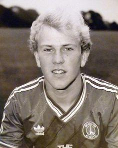 Gordon Watson of Charlton Athletic in Charlton Athletic, Retro Football, The Originals, 1980s, Photograph, Photos, Photography, Pictures, Photographs