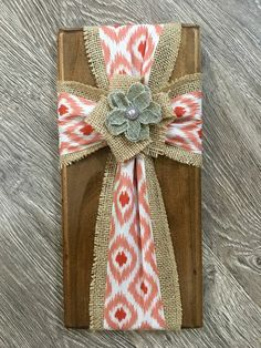 Fabric cross on wood burlap cross on wood by SleepCreateRepeat (wood crafts cross) Wooden Crosses, Crosses Decor, Wall Crosses, Barn Wood Crafts, Rustic Crafts, Burlap Projects, Diy Craft Projects, Wooden Projects, Crafts To Make