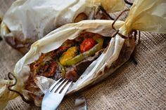 ΜΠΡΙΖΟΛΕΣ....ΓΙΑ ΔΕΣΙΜΟ! (πουγκάκι σε λαδόκολλα)   Δεν είναι τρελές...είναι  χοιρινές , λαχταριστές και είναι για δέσιμο!!!          θα χρε... Greek Recipes, Pork Recipes, Cooking Recipes, Tasty, Yummy Food, Gluten Free Recipes, Cravings, Main Dishes, Veggies