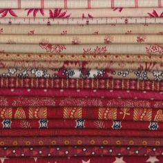 Red/Cream fat quarter bundle at Colonial Crafts....,<3   <3