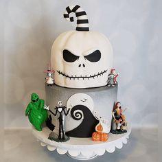 Christmas Birthday Cake, 8th Birthday, Birthday Cakes, Birthday Ideas, Halloween Sweets, Halloween Cakes, Halloween Ideas, Cake Designs Images, Cake Images
