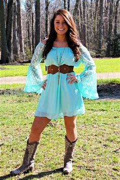 Check out all of the different southern style dresses we have to offer! We have amazing tunic dresses, beautiful maxi dresses, and sassy mini dresses! Robes Country, Country Wear, Country Prom, Country Girl Outfits, Country Fashion, Cute Country Dresses, Country Girls, Country Girl Clothing, White Country Dress