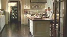 kitchen from brothers & sisters.... i have always wanted this :)