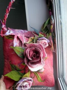 nice felted roses on a bag