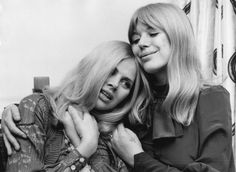Consider, that marianne faithfull boob size all can