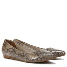 Women's Qute Medium/Wide Flat at Naturalizer.com