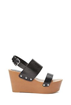 Every girl needs some grungy sandals this season. Black chunky