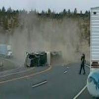 Speeding Truck Vs Sharp Corner http://ift.tt/2iJexkP