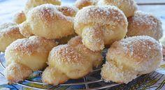 nozinho assado Bread And Pastries, Sweet Recipes, Cake Recipes, Donuts, Pan Bread, Portuguese Recipes, Recipe Images, Beignets, Sweet Bread