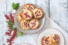 Kynuté koláče s tvarohem, červeným rybízem a drobenkou Muffin, Breakfast, Morning Coffee, Muffins, Cupcakes