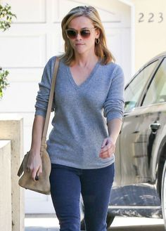 Reese Witherspoon - Reese Witherspoon At A Friends House In Brentwood. I love to see pictures for Reese.
