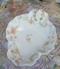 Haviland France jewlery or candy dish. Small elegance.
