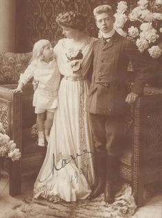 Crownprincess Marie of Romania (later Queen) with sons Carol (later King Carol II) and Nicolae. Romanian Royal Family, Romanian Girls, Queen Victoria Descendants, Princess Victoria, Princess Alexandra, Princess Beatrice, Michael I Of Romania, Christian Ix, Photographs Of People