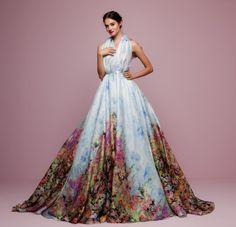 Színes esküvői ruhák