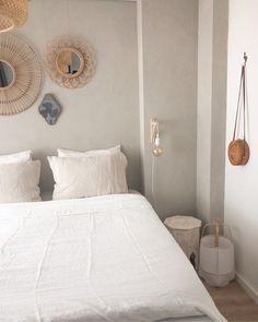 Inspiratie: 6x het gebruik van zachte kleuren in huis - Alles om van je huis je Thuis te maken   HomeDeco.nl Room Ideas Bedroom, Home Bedroom, Bedroom Wall, Master Bedroom, Bali Bedroom, Student Room, Parents Room, Ikea, Fashion Room