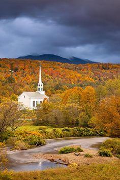 Community Church, Stowe, Vermont; photo by Brian Jannsen